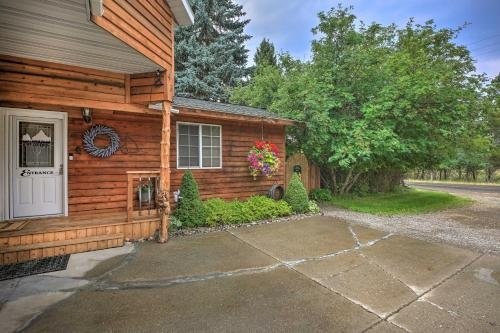 Photo of Cozy and Pet-Friendly Libby Cottage by Creek!