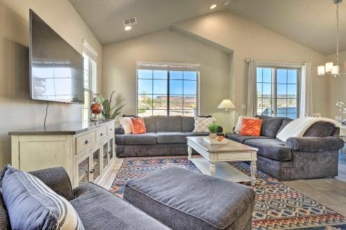 Photo of Washington Townhome with Patio and Resort Perks!