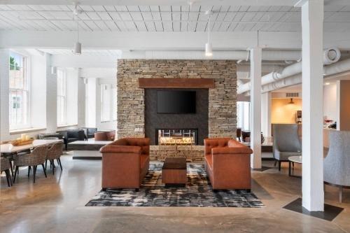 Photo of Fairfield Inn & Suites Madison