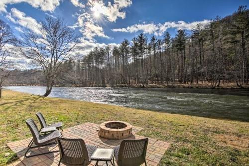 Photo of Rivers Edge - Ultimate Riverfront Getaway