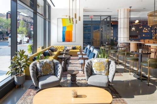 Photo of Jasper Hotel