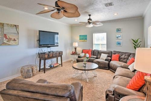 Photo of Crystal Beach Family Retreat with Deck and Patio!