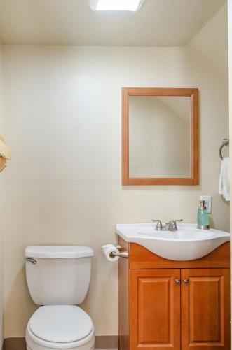 Photo of Cedar Wood Escape- one bedroom