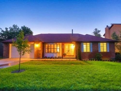 Photo of Huge Seven Bedroom Home in Cottonwood Heights