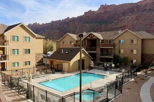Photo of Red Cliff Condos ~ 6I