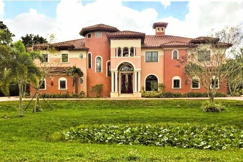 Photo of Chateau Paradiso Plantation Mansion