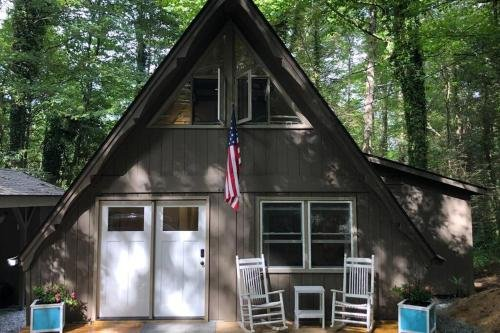 Photo of In town Highlands NC Chalet