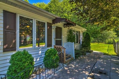 Photo of Serene Orchard Park Apartment with Large Yard and Patio