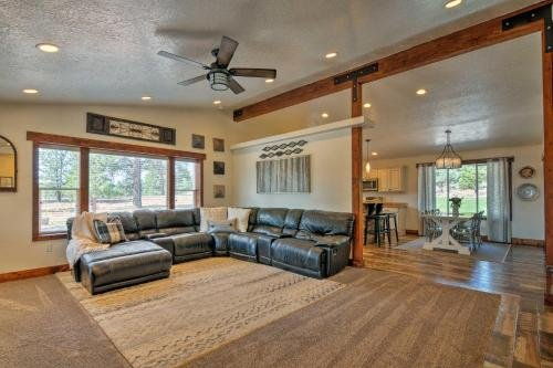 Photo of Luxe Bryce Canyon Home with Fireplace, Patio and Grill