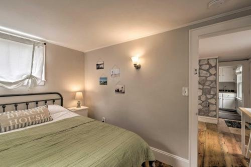 Photo of Cozy Sea Street Cottage - 1 Mile to Ferry Boats!