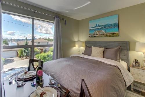 Photo of Blue Angels Room Mercer Island