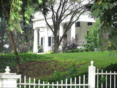 Photo of Niagara Gorge Mansion in Historic Village 5 Minutes from Falls
