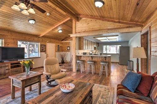 Photo of Victor Woodland Cabin Retreat with Fire Pit