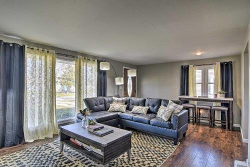 Photo of Renovated Buffalo Home with Screened-In Patio!