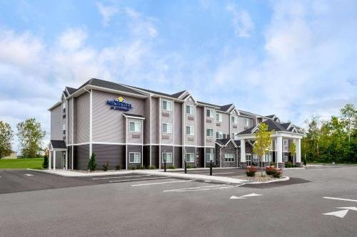 Photo of Microtel Inn & Suites by Wyndham Farmington