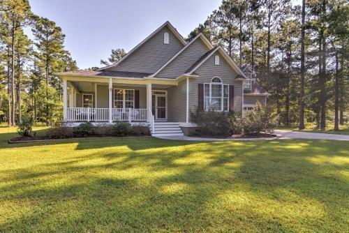 Photo of Oriental House on 1 Acre with Wraparound Porch!