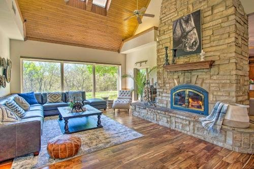 Photo of 16-Acre Luxury Ranch with Private Pond and Spa!