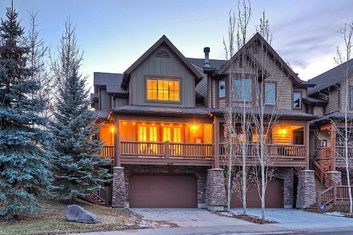 Photo of Snowtop Manor