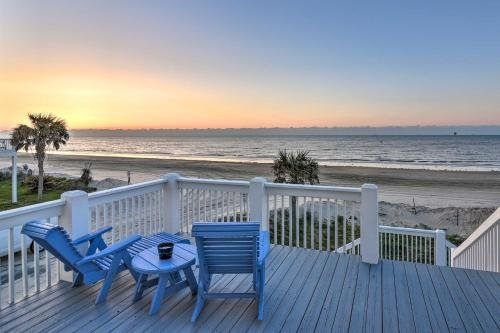 Photo of Oceanfront Crystal Beach Haven View and Decks!