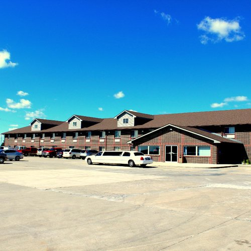 Photo of DeSoto Inn Suites