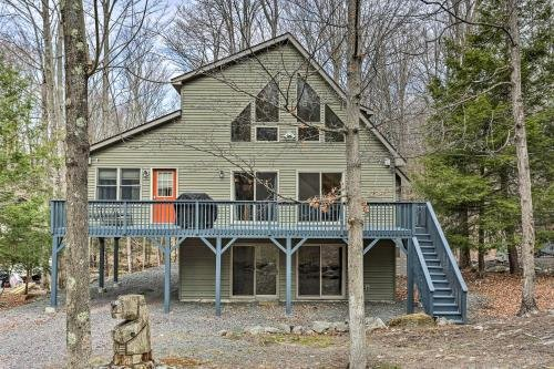 Photo of Peaceful Poconos Cabin with Lake Access and Views