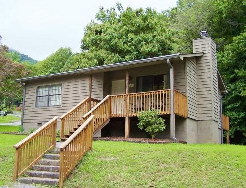 Photo of Accommodation by the Lake at Fontana Dam - Two Bedroom Cabin #1