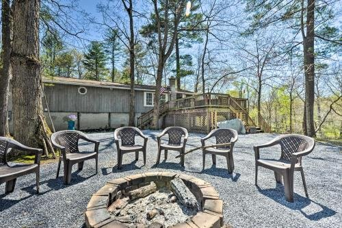 Photo of Cozy Cabin with Sunroom and Cacapon River Access!