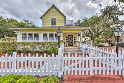 Photo of Charming Historic Home - Walk to Waterfront!