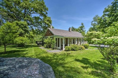 Photo of Charming Cottage with Deck Mtn and Lake Views!