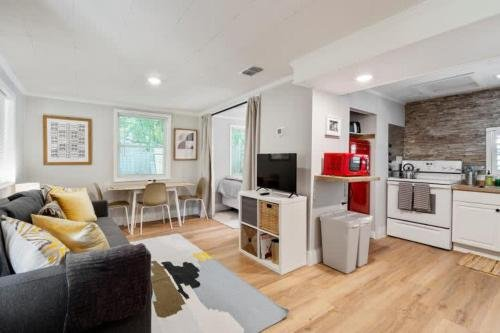 Photo of Adorable 2 BR Tiny Home in Historic San Marco!