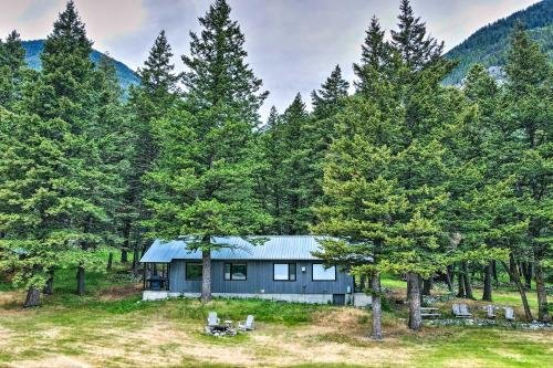 Photo of Contact Mountain Hideaway with Fire Pit and Views