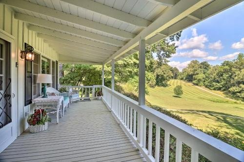 Photo of Charming Franklin Cottage with Golf Course View