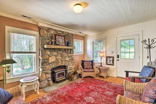 Photo of Momma Rhodes Cozy Home Near Blue Ridge Pkwy