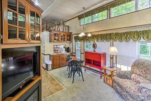 Photo of Cozy Gig Harbor Cottage, 2 Mi to Case Inlet!