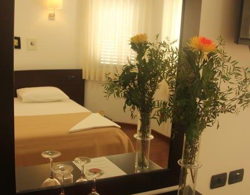 Vila 3 Hotel - фото 1