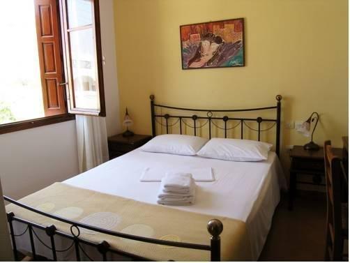 Areti's Milos Rooms - фото 4
