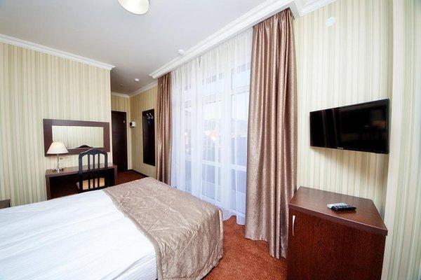 Отель Фаворит - фото 1