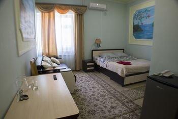Гостиница Сюрприз на Космонавтов - фото 1