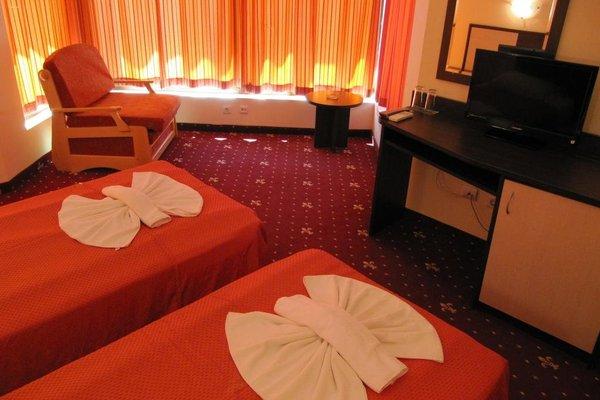 Maverick Hotel - фото 1