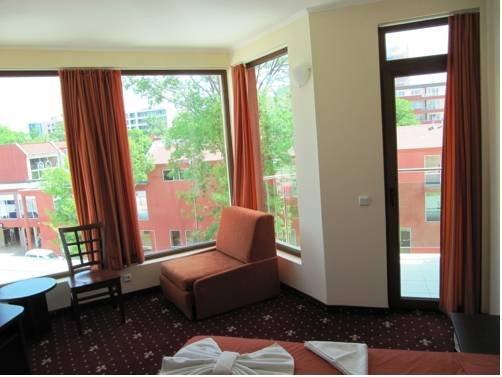 Maverick Hotel - фото 19