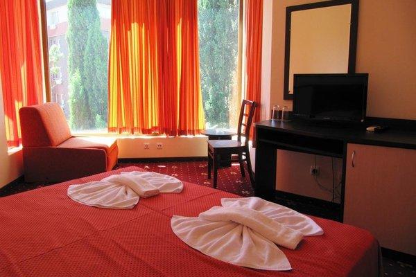 Maverick Hotel - фото 2