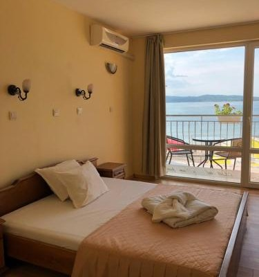 Family Hotel Littoral - фото 1