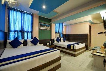 Hotel Abhiraj Palace