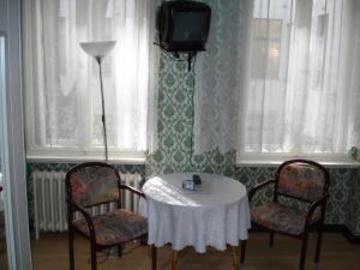 Hotel-Pension-Charlottenburg - фото 1