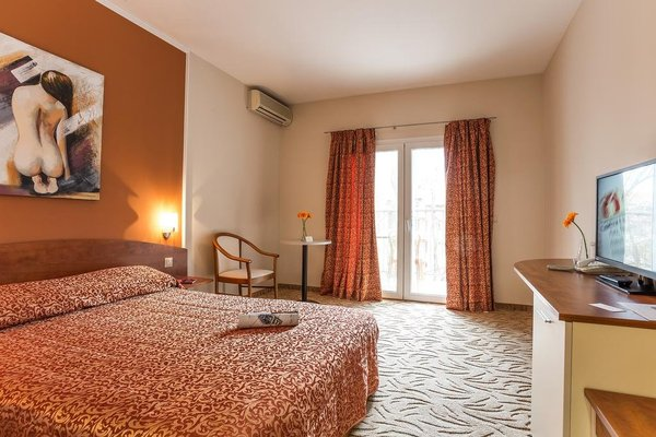 Perla Hotel - фото 1