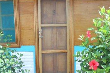 Moke Huhu Guesthouse