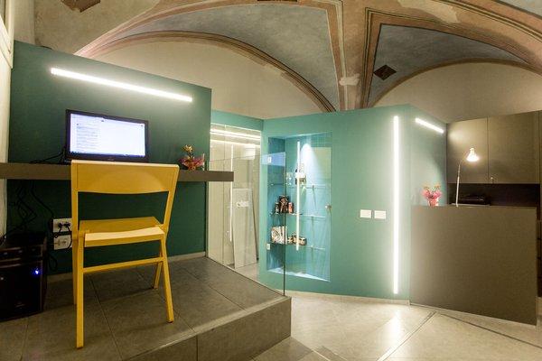 Little Italy Hostel - фото 13