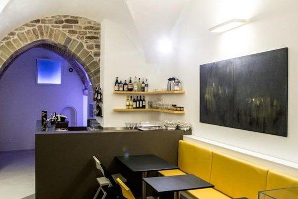 Little Italy Hostel - фото 16