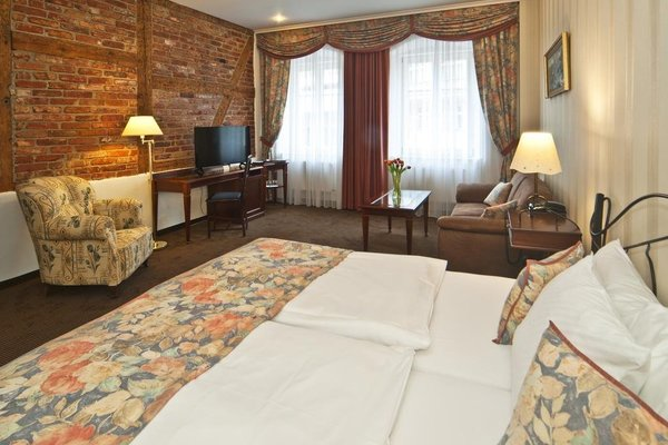 Promenada Romantic & Wellness Hotel - фото 1
