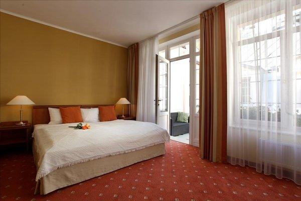 Promenada Romantic & Wellness Hotel - фото 2